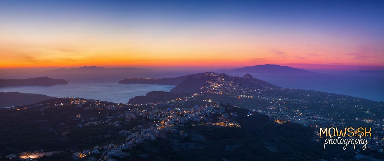 Ostrov Santorini z vyhliadky Profitis Ilias