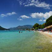 Exotická pláž v Nidri
